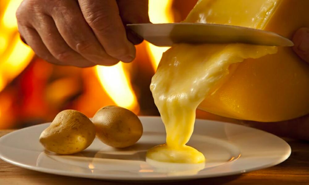 top 5 des restos fromage raclette fondue poutine bordeaux quoi faire bordeaux. Black Bedroom Furniture Sets. Home Design Ideas