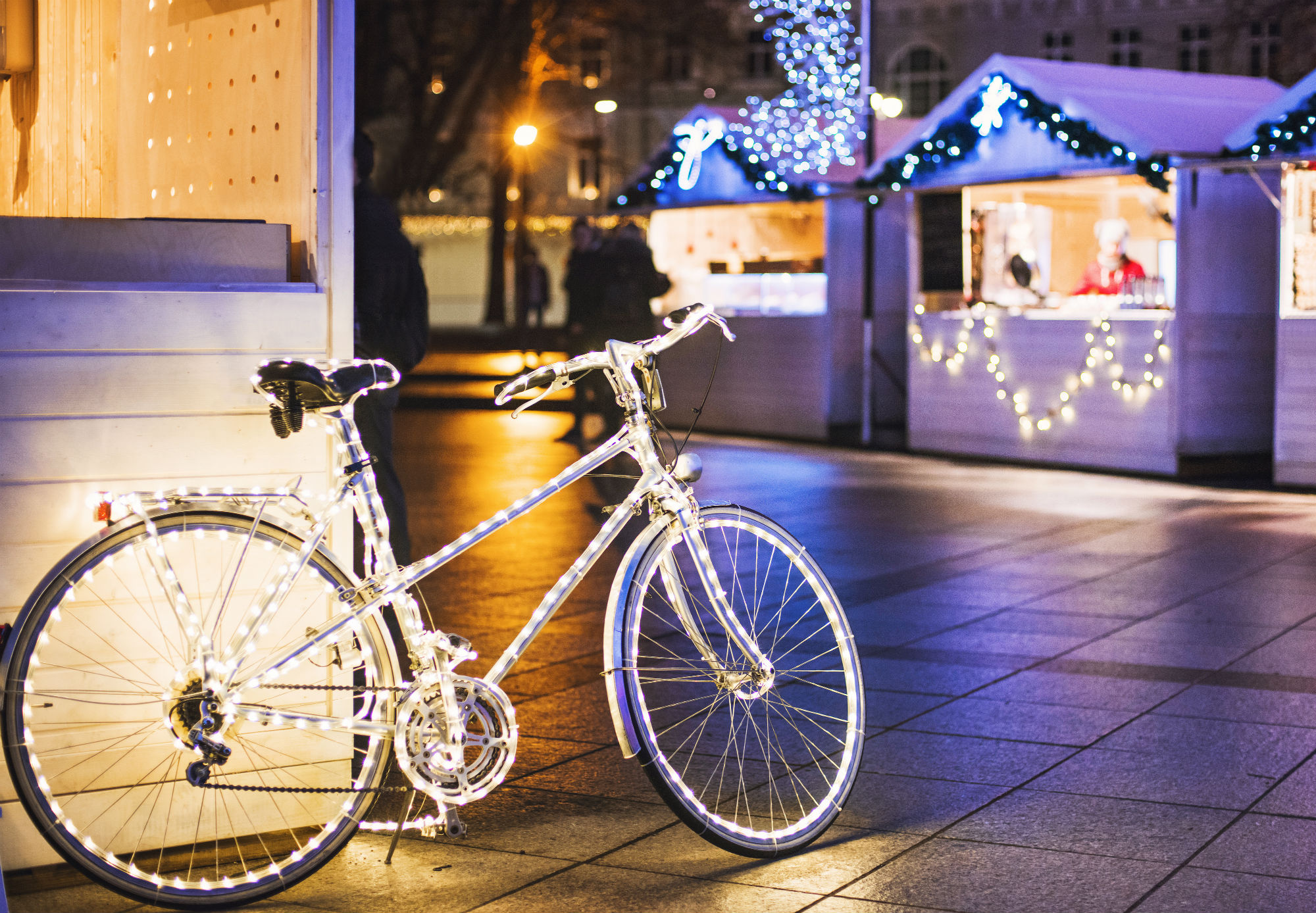Photo of Une balade à vélo pour admirer les illuminations de Noël