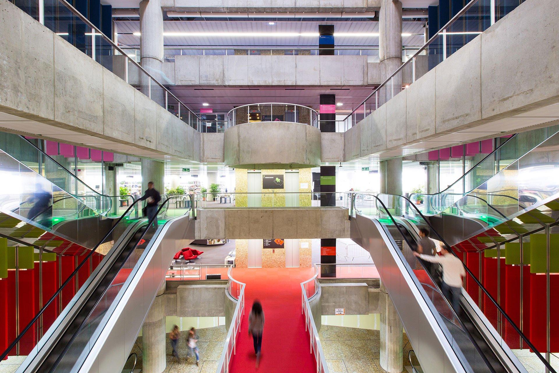 Photo of La bibliothèque de Mériadeck enfin ouverte le dimanche !