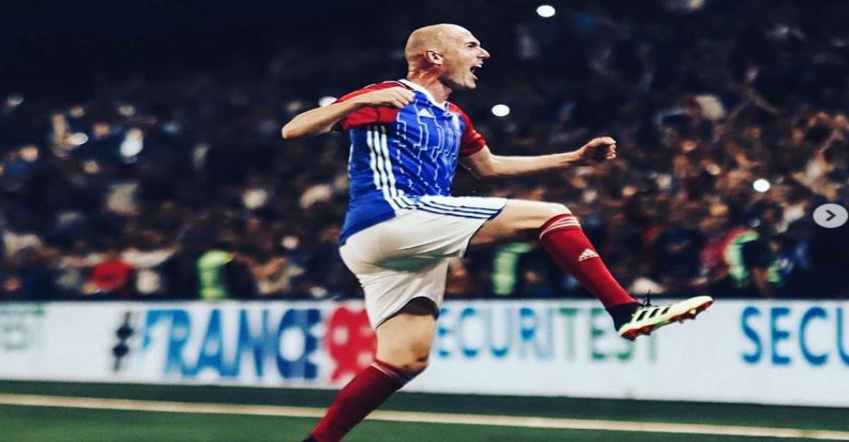 Photo of Zidane revient sur la pelouse bordelaise pour le match des légendes