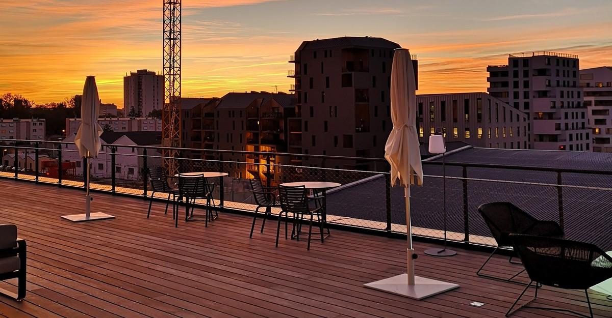 f te de la musique sur un rooftop bordeaux. Black Bedroom Furniture Sets. Home Design Ideas