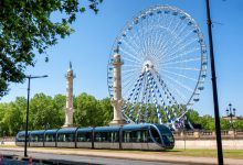 Photo of La grande roue sera présente tout l'été sur la place des Quinconces